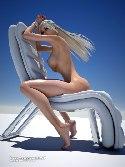 Girlfriends 4 Ever seins blonde chaise